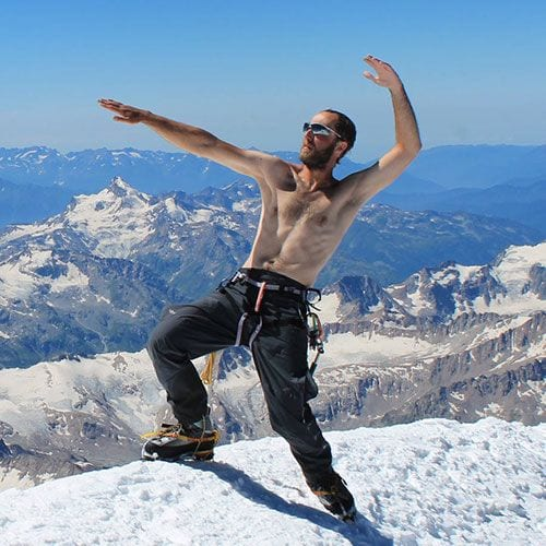 Собрали все необходимые упражнения, чтобы привести себя в форму перед поездкой в горы