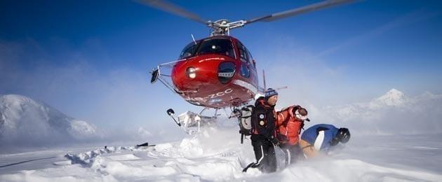 Правильная страховка в горах и эвакуация пострадавшего вертолетом